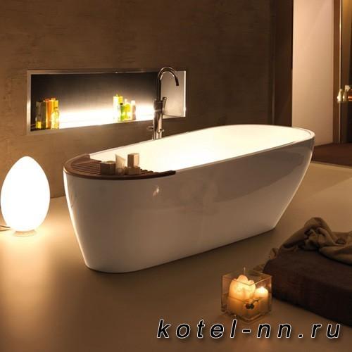 Ванна из пиетралуче овальная Kerasan Aquatech 1700х700см ,цвет белый с накладкой из тикового дерева