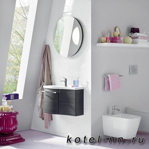 Комплект подвесной мебели Burgbad Sinea 1.0 65 см, база с 2 дверками, цвет черный, раковина из минерального литья белая с круглым зеркалом с подсветкой