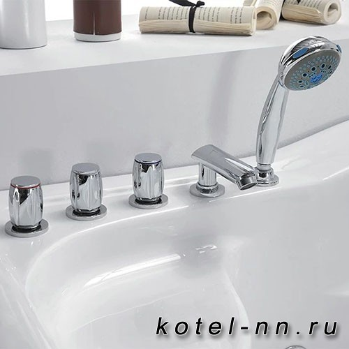 Акриловая ванна Gemy (G9083 K R)