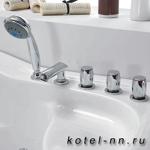 Акриловая ванна Gemy (G9083 B L)