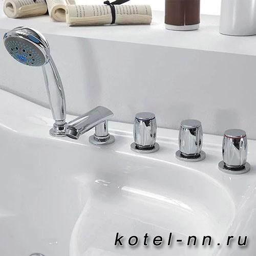 Акриловая ванна Gemy (G9083 K L)